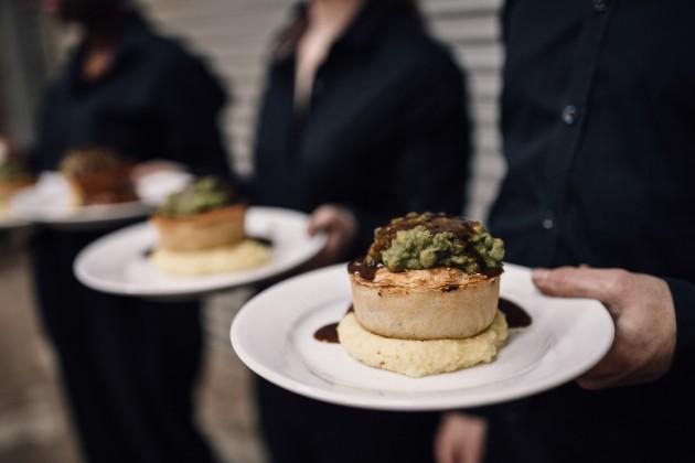 Pies wedding